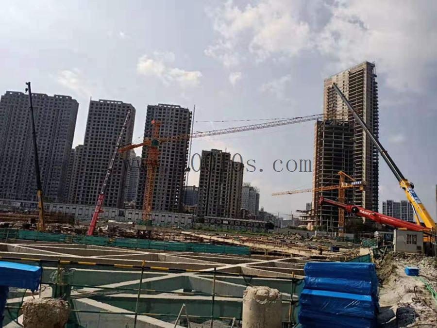 上海履帶吊租賃解析液壓支腿作業製作穩定性也很重要