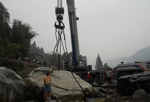 上海景區履帶吊施工現場